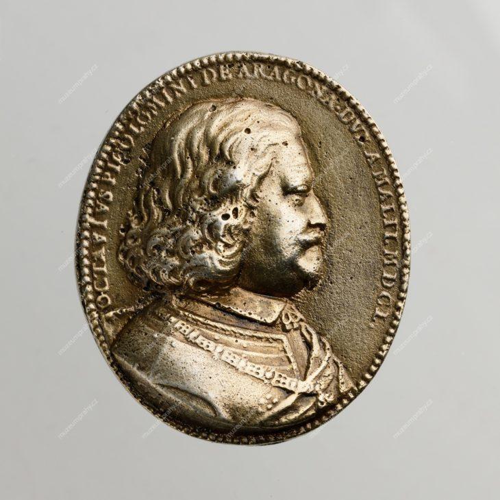 Medaile Ottavia Piccolominiho, vydaná patrně při podepsání závěrečného protokolu norimberského mírového kongresu 1649–1650, kde byl jedním ze zástupců císaře Ferdinanda III., Pfrundt Georg, stříbro, 1650, MMP H 293.316