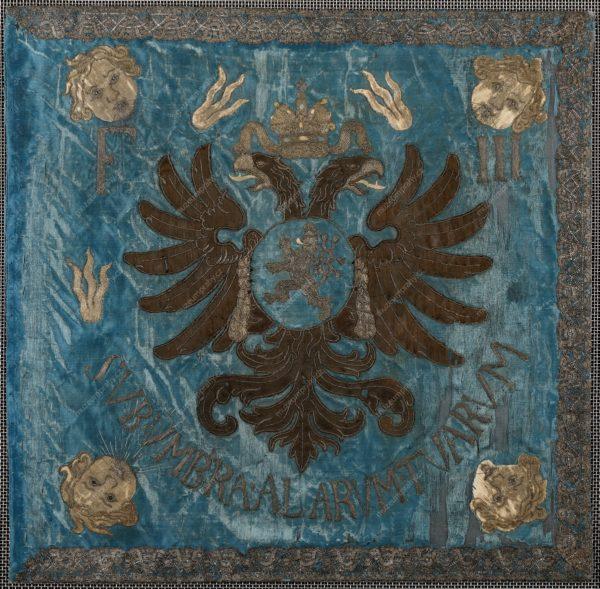 Prapor malostranské jízdy, Čechy, hedvábí, reliéfní výšivka a aplikace, 1637–1646, MMP H