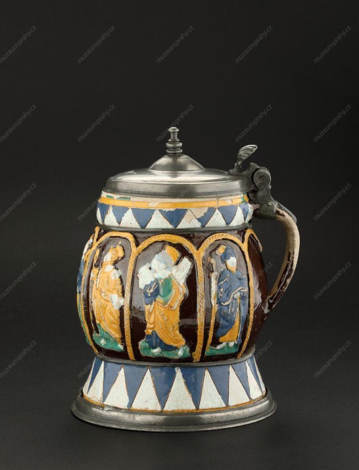 Holba s postavami apoštolů, Německo-Štýrsko (?), pálená hlína, polychromní glazura, cca 1600, MMP H 17.543