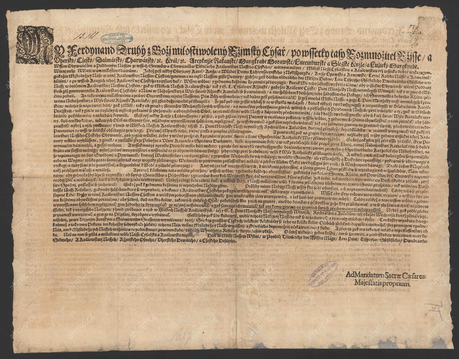 Ferdinand II. nařizuje obyvatelům Českého království, aby se srovnali s katolickou vírou, a pro ty, kteří tak neučiní, ponechává v platnosti předchozí nařízení o odprodeji statků a vystěhování ze země. Současně zakazuje pod přísnými tresty přechovávání osob pro víru zběhlých, 13. 5. 1627, AMP, Sbírka soudobé dokumentace do roku 1989, inv. č. 42